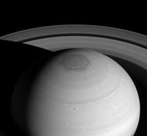 Saturn's hexagon